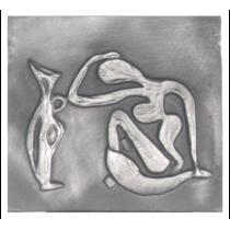 Plaque fonte La femme & la cruche 60 x 55 cm