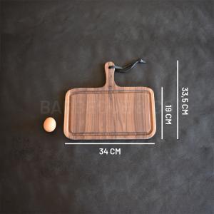 Planche à découper avec rigole en noyer 34 x 19 cm